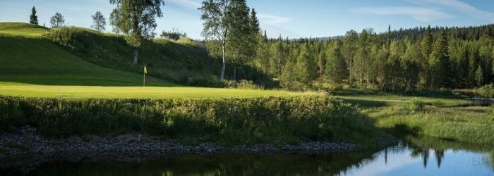 Njut av både fjällen och golf i Åre